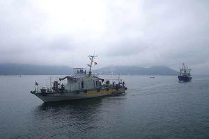 Hai tàu đánh cá cùng 19 thuyền viên Nghệ An gặp nạn