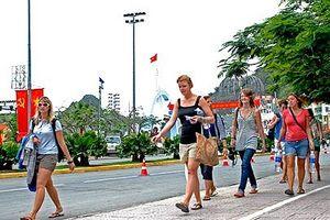 Nhiều giải pháp phát triển du lịch TPHCM