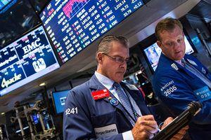 Bất chấp mối lo 'chiến tranh thương mại', chứng khoán Mỹ tiếp tục tăng