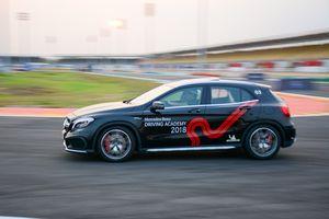 Rèn tay lái, trải nghiệm dàn xe Mercedes trên đường đua