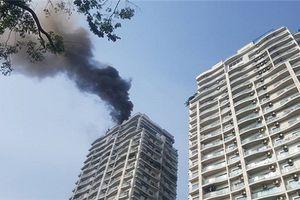 Cháy chung cư: 'Tiền bồi dưỡng' hay trực thăng cứu hộ trên cao
