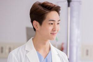 Sao Hàn 6/4: Nam diễn viên 'Hậu duệ mặt trời' được tuyên bố vô tội trong vụ quấy rối tình dục