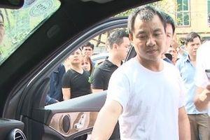 Đập kính ô tô, đối tượng người Trung Quốc trộm hàng tỷ đồng