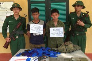 Thanh Hóa: Bắt giữ 2 người Lào vận chuyển 5 bánh heroin và 26.800 viên ma túy về Việt Nam