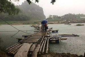 Đánh cược mạng sống với Hà Bá, dân khao khát xây cầu