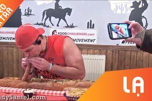 Anh chàng ăn trọn bánh hot dog nặng 3 kg trong vòng 1 tiếng