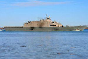 Không phá được băng, tàu chiến Mỹ bị 'giam' ở Canada hơn ba tháng