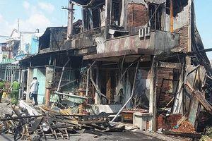 Cháy lớn ở TP Mỹ Tho, nhiều căn nhà bị thiêu rụi