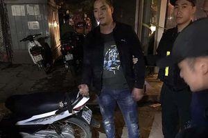 Cảnh sát 141 tuần tra đêm: Ngăn chặn một cuộc 'thanh toán' bằng đao kiếm