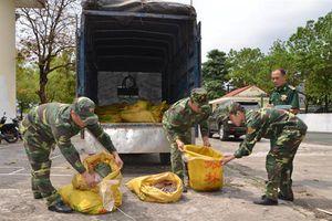 Biên phòng Quảng Ninh: Bắt giữ 300 kg chân gà đang trong quá trình phân hủy