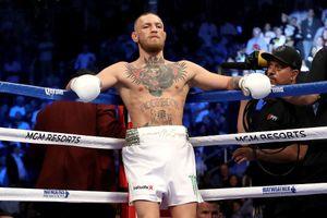 'Nổi điên' vài phút, võ sĩ Conor McGregor đối diện án tù 7 năm