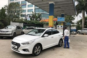 Nóng: Hyundai Accent sắp ra mắt bất ngờ xuất hiện tại cây xăng