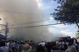 Kinh hoàng cháy lớn thiêu rụi 7 căn nhà tại thành phố Mỹ Tho