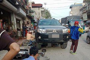 Xe Fortuner 'điên' tông liên hoàn, 3 người thương vong: Tạm giữ tài xế