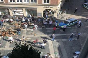 Nghi phạm lao xe vào đám đông ở Đức rút súng tự tử ngay tại chỗ