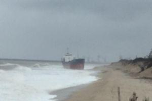 Hà Tĩnh: Cứu tàu chở hàng hơn 5.000 tấn thoát cạn