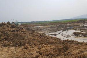 Bình Thuận: Dân bức xúc nạn 'cát tặc' hoành hành tại hồ Biển Lạc