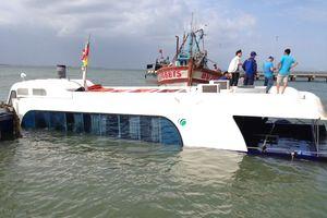 Cận cảnh hiện trường chìm tàu cao tốc