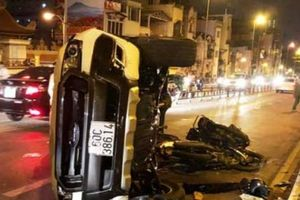 Thông tin mới nhất vụ ô tô 'đại náo', người đi đường rơi khỏi cầu tử vong
