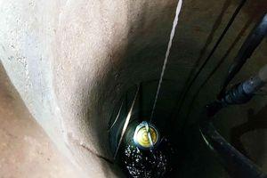 Kỳ lạ giếng nước bất ngờ chứa đầy dầu hỏa ở Hà Tĩnh