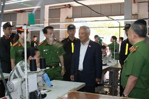 Đoàn công tác của Quốc hội kiểm tra công tác thi hành án hình sự tại Trại giam Ninh Khánh
