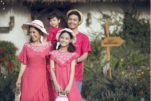 Sau Xuân Bắc, đến lượt cả gia đình Phan Anh làm người mẫu