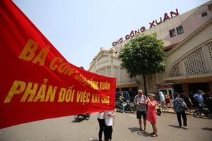 Tiểu thương chợ Đồng Xuân phản đổi kế hoạch xây mới chợ