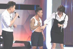 Hari Won chê Trấn Thành có ngoại hình thua thí sinh chuyển giới