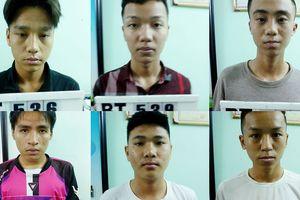 Vì lời 'tỏ tình' trên mạng, 2 nhóm học sinh hỗn chiến kinh hoàng