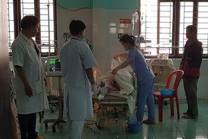 Xe cứu thương gây tai nạn liên hoàn, 6 người thương vong