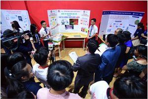 Bộ điều khiển hỗ trợ người khuyết tật đoạt giải nhất Cuộc thi 'Nhà khoa học trẻ 2018'