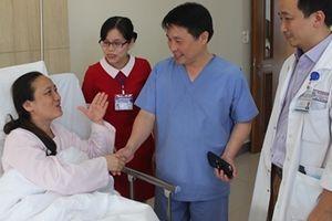 Cứu sống nữ du khách Trung Quốc bị xuất huyết não nặng