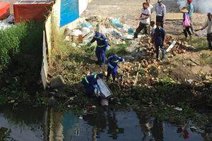Bị đuổi học, nam thanh niên nhảy sông Sài Gòn tự tử?