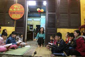 Lớp học dân ca miễn phí ở Hội An