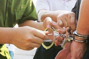 Bắt tạm giam cán bộ địa chính xã tham ô tài sản