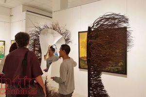 Tương tác với… rác nghệ thuật
