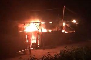 Cháy xưởng bông vải ở Hà Nội, một công nhân tử vong