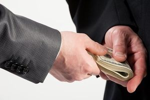 Bắt trưởng công an xã nhận tiền chạy án