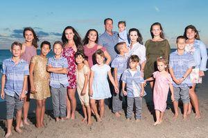 'Bà mẹ siêu nhân' với 16 đứa con: 'Trong nhà chẳng có lấy một ngày bình thường'