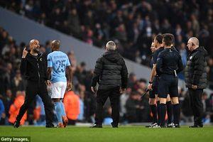 Pep Guardiola bị truất quyền chỉ đạo vì lớn tiếng với trọng tài