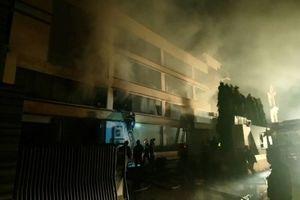 TP. HCM: Cháy lớn thiêu rụi hơn 200m2 nhà xưởng tại công ty bánh kẹo ACB