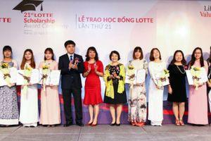 Lotte trao học bổng với tổng giá trị 23.400 USD cho 78 sinh viên Việt Nam xuất sắc