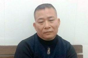Bắt giữ người đàn ông nhiều lần ném chất bẩn vào nhà phóng viên tại Nghệ An