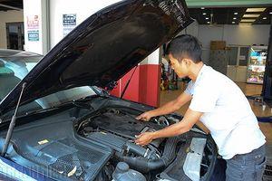 Các bước vệ sinh khoang động cơ, người dùng ô tô nên biết