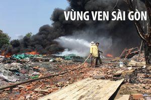 Lửa thiêu rụi cơ sở chế biến phế liệu ở vùng ven Sài Gòn