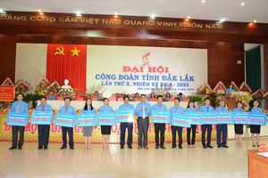 LĐLĐ Đắk Lắk: Trao nhà Mái ấm công đoàn cho 13 đoàn viên