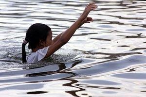 Hai nữ sinh tử vong thương tâm do đuối nước