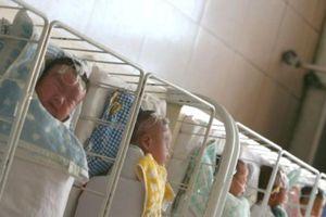 Em bé chào đời 4 năm sau ngày cha mẹ mất