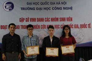 Gặp gỡ vinh danh các nhóm sinh viên đạt giải quốc gia, quốc tế và đội tuyển ACM/ICPC 2018