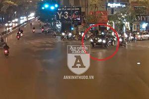 Nóng: Bắt khẩn cấp đối tượng lái xe ô tô kéo lê người và xe máy ở ngã 6 Ô Chợ Dừa